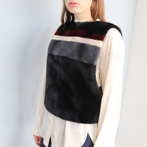 COLOR BLOCK BACK ZIPUP SHORT TOP_BLACK